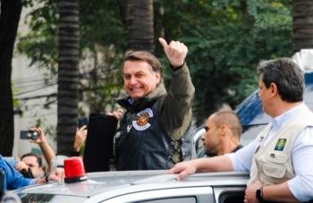 Gần 500.000 người chết, Tổng thống Brazil vẫn quyết phản đối đeo khẩu trang
