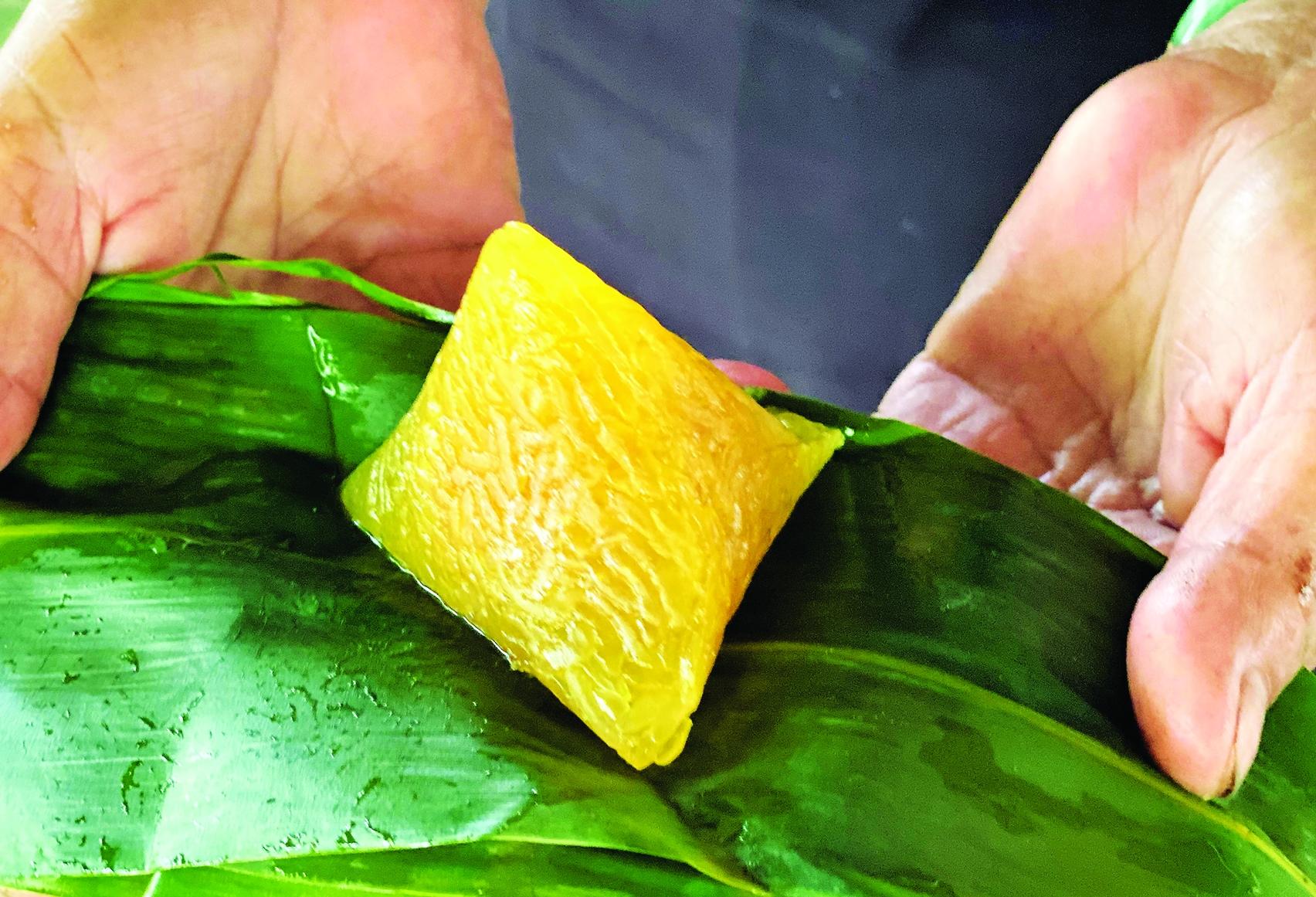 Về Tây Ninh, ăn bánh ú lá tre