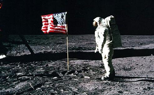 Mỹ tiết lộ kế hoạch bí mật về căn cứ quân sự trên Mặt trăng
