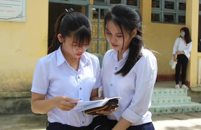 Chấm thi môn Ngữ văn THPT Quốc gia 2018: Xuất hiện điểm 9 và điểm liệt