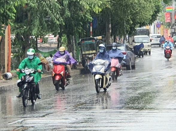 Bắc Bộ, Tây Nguyên và Nam Bộ mưa dông, Trung Bộ nắng nóng