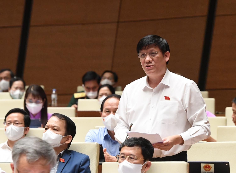 Bộ trường Bộ Y tế Nguyễn Thanh Long phát biểu tại phiên họp Quốc hội chiều 25/7.