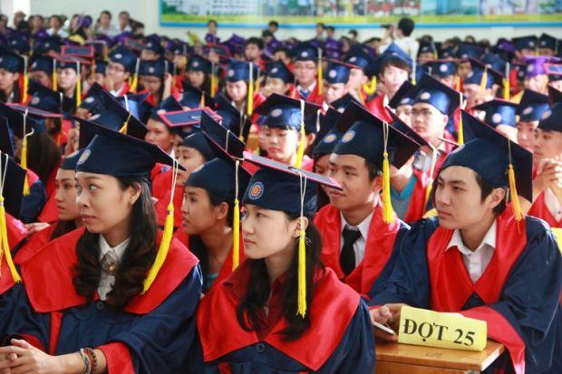 Đại học Việt Nam đang ở đâu?