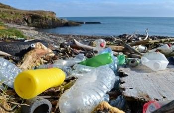 Rác thải nhựa đổ vào biển tăng gấp 3 lần trong 20 năm tới