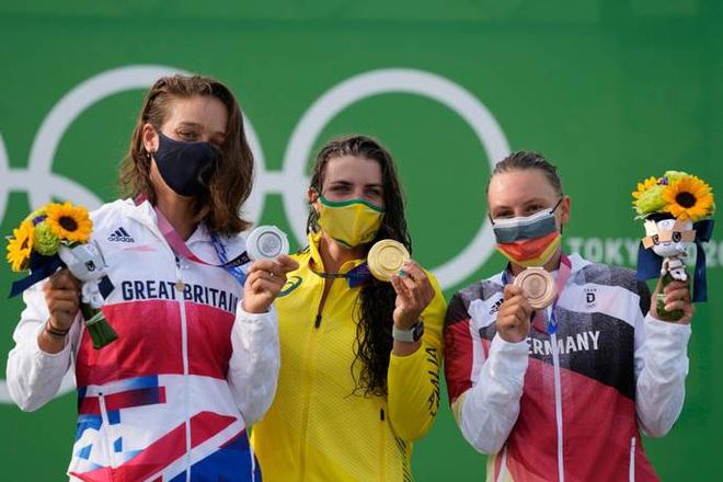 Ý nghĩa đặc biệt của bó hoa tặng các VĐV giành huy chương tại Olympic 2020 - 1