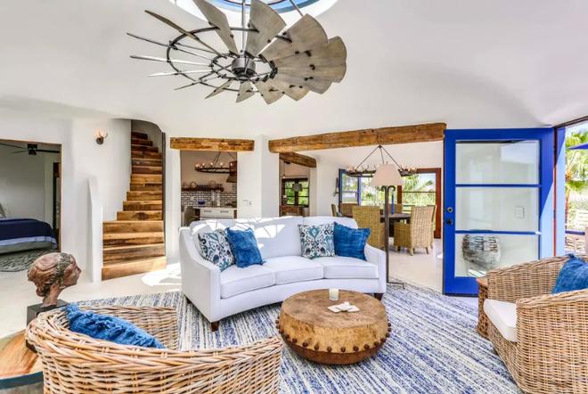 Chiêm ngưỡng căn nhà triệu USD mang phong cách Santorini - 1