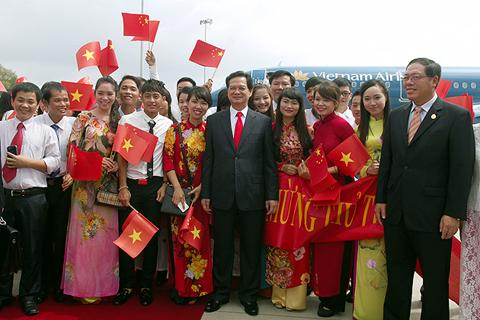 Thủ tướng Nguyễn Tấn Dũng tới Nam Ninh, Trung Quốc