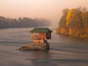 Độc đáo những ngôi nhà nhỏ xinh tựa như trong cổ tích