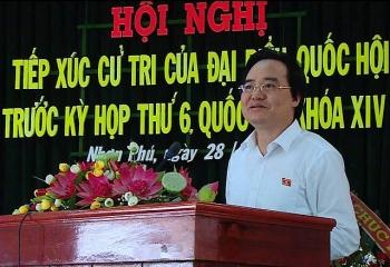 thuc hien chuong trinh gdpt moi la bo cach day thay doc tro chep