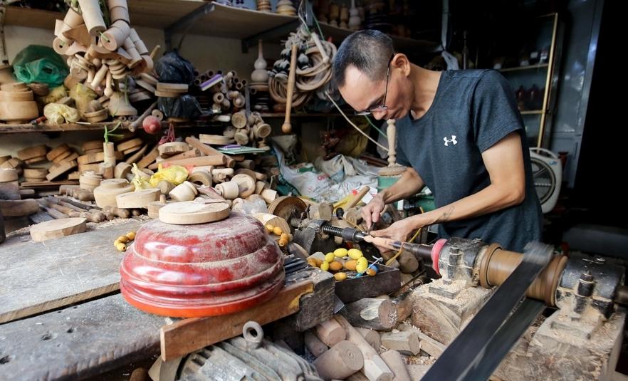 Ghé thăm cửa hàng tiện gỗ còn sót lại trong khu phố cổ Hà Nội
