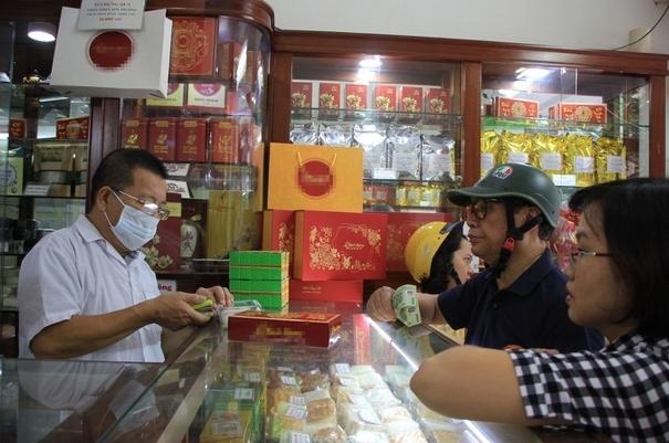 Vì sao người Hà Nội vẫn ưu ái bánh Trung thu truyền thống?