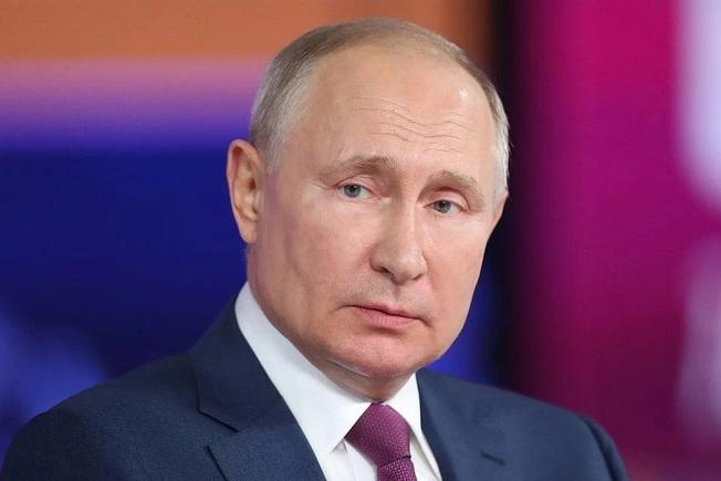 Ông Putin lên tiếng khi tự cách ly vì tiếp xúc người mắc Covid-19