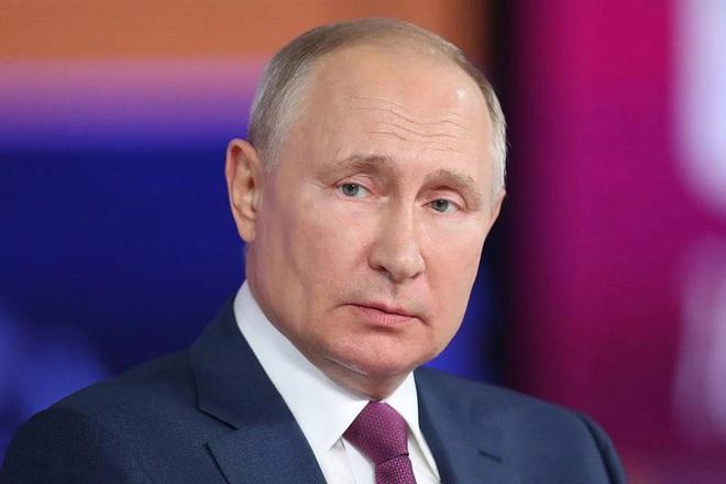 Ông Putin lên tiếng khi tự cách ly vì tiếp xúc người mắc Covid-19 - 1