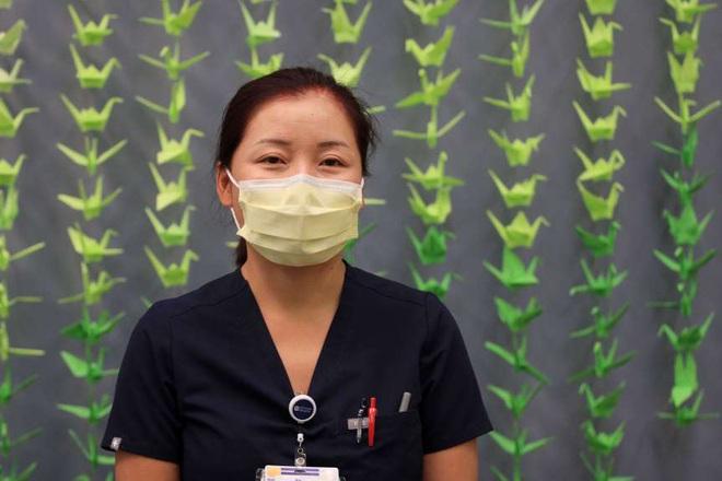 Nữ điều dưỡng gốc Việt ở Mỹ: Đại dịch đã làm tôi thay đổi - 1
