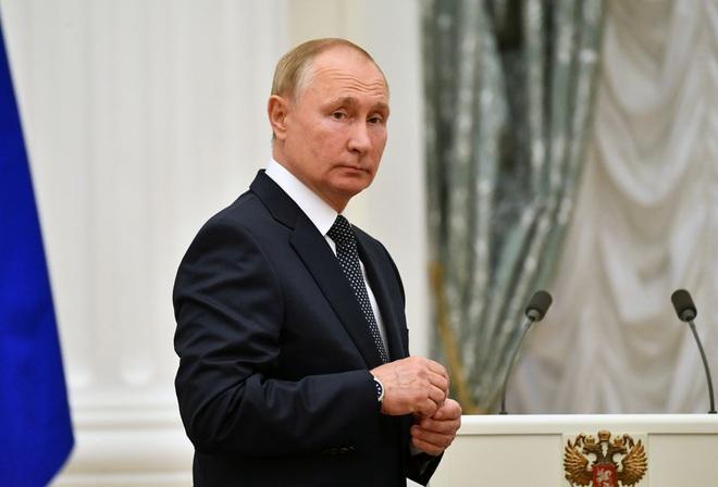 Ông Putin nói hàng chục cấp dưới thân cận mắc Covid-19 - 1