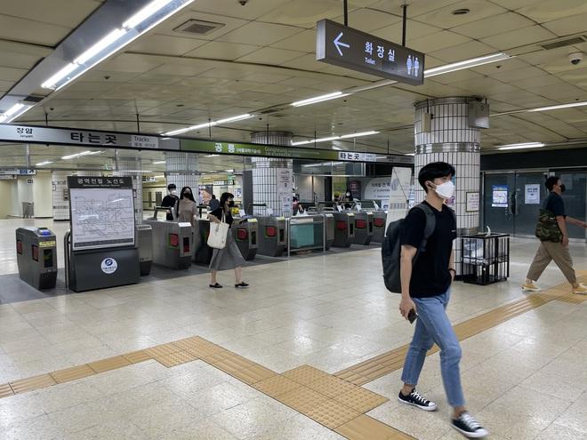 Người Việt tại Hàn Quốc học cách sống chung an toàn với Covid-19 - 2