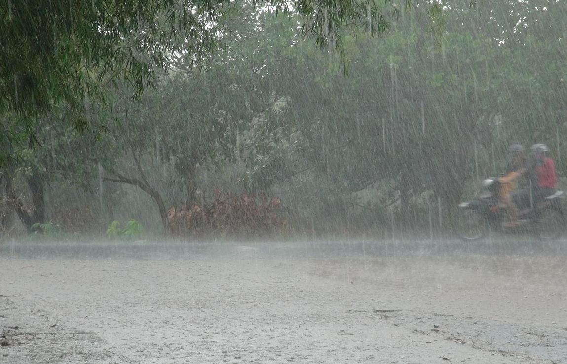 Thời tiết hôm nay ngày 24/9/2021: Các tỉnh miền Trung mưa to