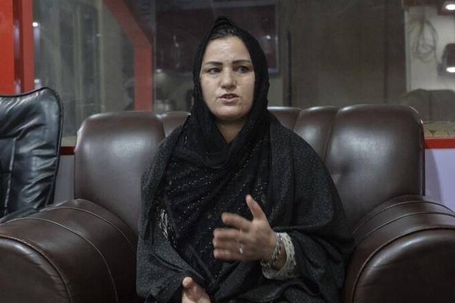 Nữ chủ nhân kho vàng đỏ của Afghanistan thách thức Taliban - 3