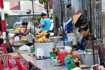 Hà Nội siết quản lý thức ăn đường phố