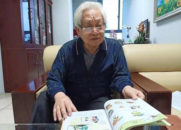 """Hội đồng thẩm định phải chịu trách nhiệm về """"sạn"""" sách Tiếng Việt 1 của nhóm Cánh Diều"""