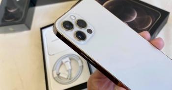 iPhone 12 lock về Việt Nam, giá từ 18 triệu đồng thì có nên mua?