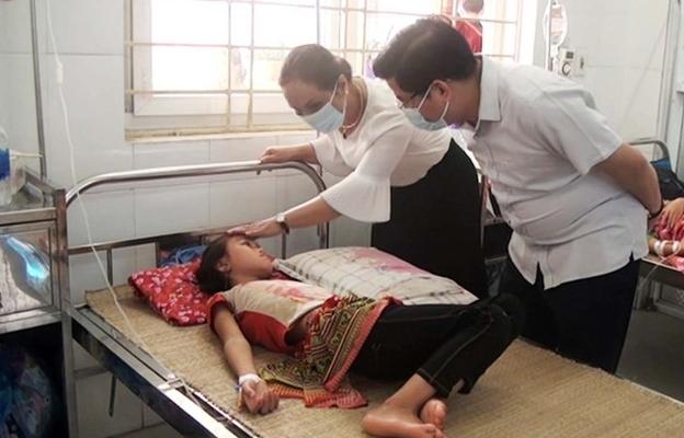 Lào Cai: 58 học sinh ngộ độc thực phẩm do ăn canh bắp cải nhiễm vi sinh