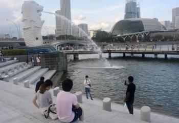 """Người Singapore hy vọng xen lẫn lo âu khi """"sống chung với Covid-19"""""""