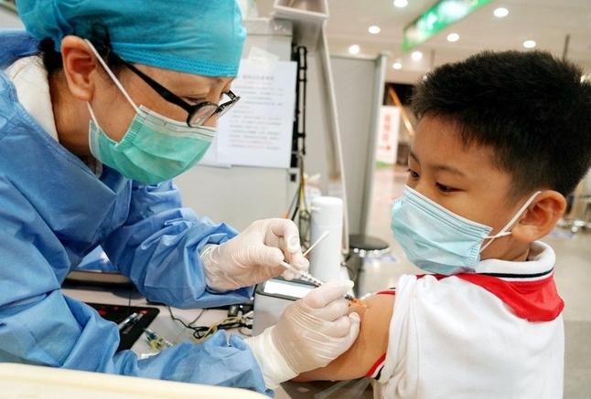 Trung Quốc chuẩn bị tiêm vaccine Covid-19 cho trẻ từ 3 tuổi