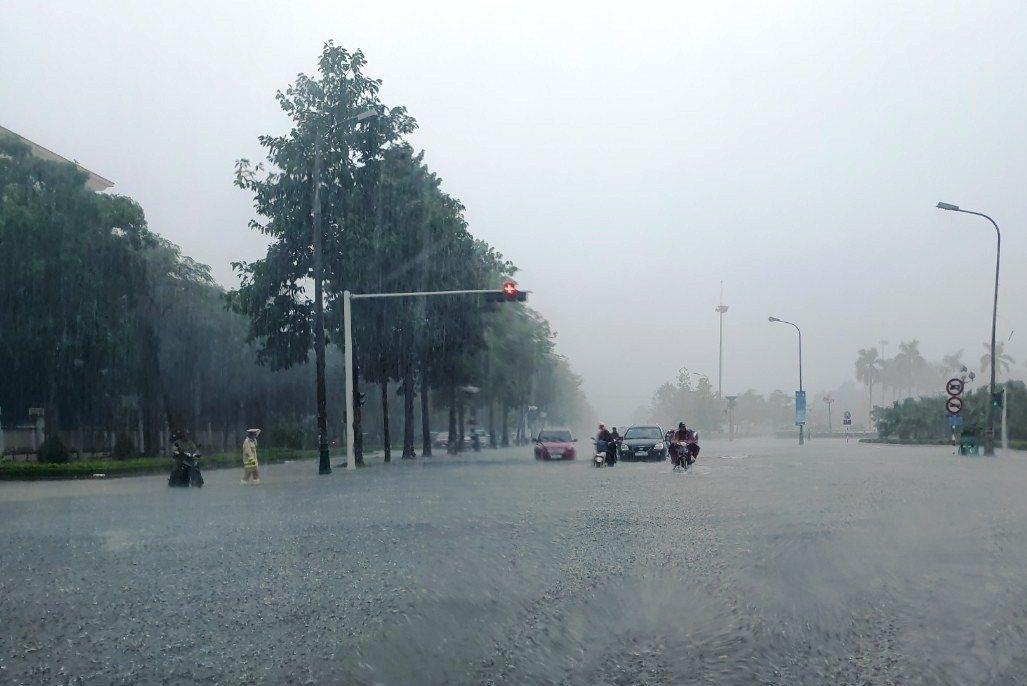 Dự báo thời tiết hôm nay ngày 28/10/2021: Trung Bộ mưa to