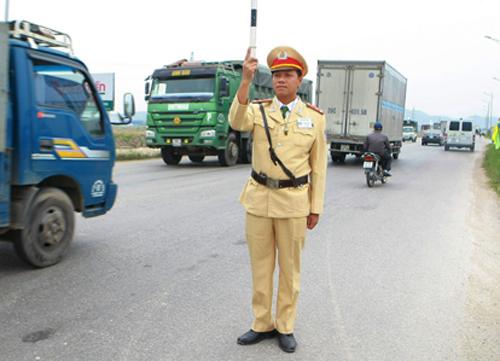 Thượng úy cảnh sát giao thông có duyên đánh án ma túy