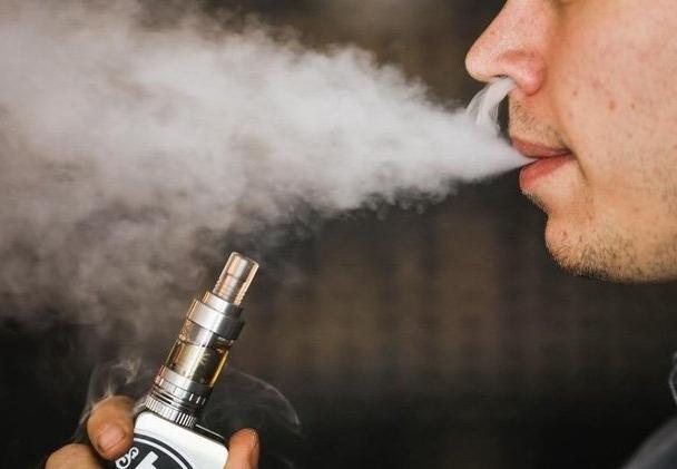 Việt Nam sẽ cấm lưu hành thuốc lá điện tử, shisha