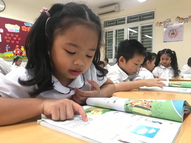 Bộ GDĐT: Sẽ lấy ý kiến xã hội trước khi công bố sách giáo khoa lớp 2 - 1