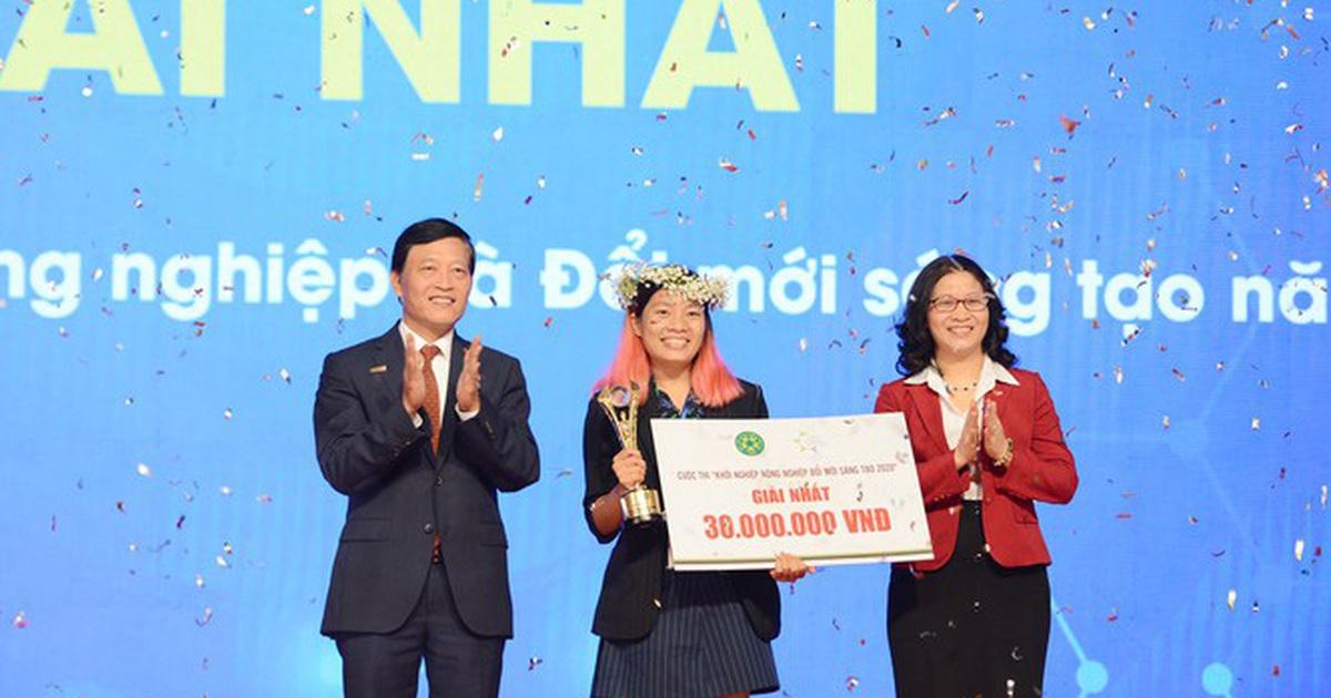 Đoạt giải Nhất thi khởi nghiệp với sản phẩm chén, đĩa làm bằng lá chuối khô