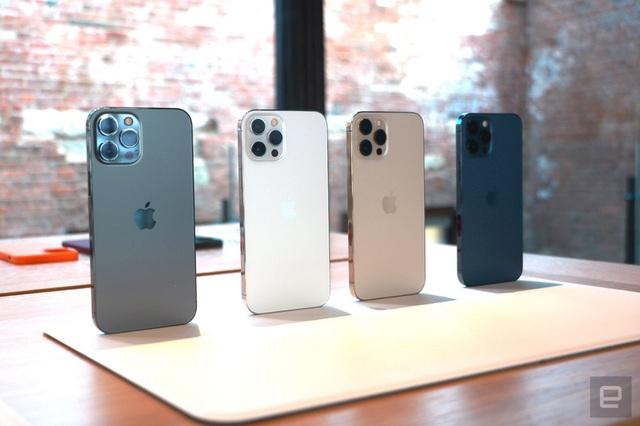 Cận cảnh bộ đôi iPhone 12 mini và 12 Pro Max - Khác biệt lớn về kích cỡ - 11