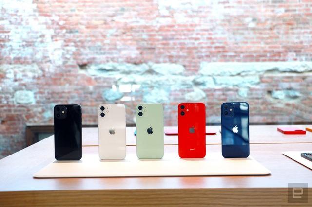 Cận cảnh bộ đôi iPhone 12 mini và 12 Pro Max - Khác biệt lớn về kích cỡ - 7