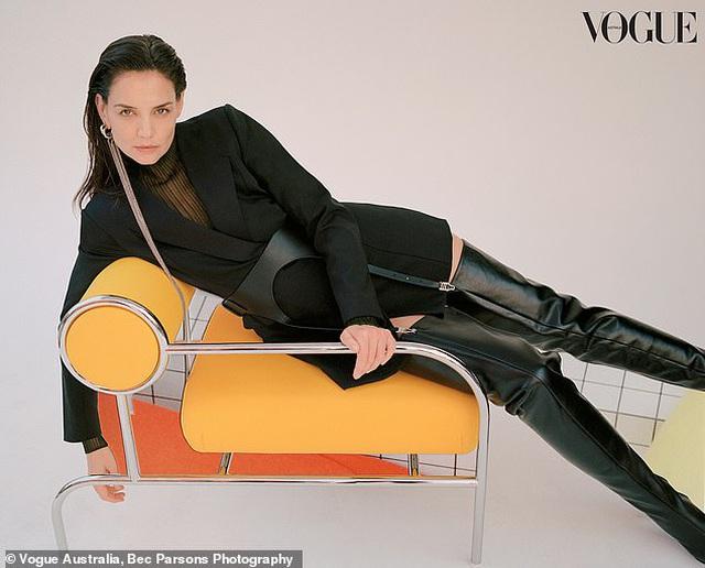 Sau 8 năm ly hôn Tom Cruise, Katie Holmes đã làm mới mình như thế nào? - 3