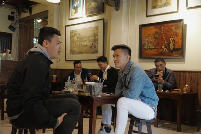 Quán cà phê Hà thành hút khách bởi những bức tranh vô giá - 6