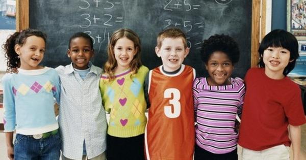 Hai chuyên gia người Anh bàn phương pháp giáo dục không trừng phạt