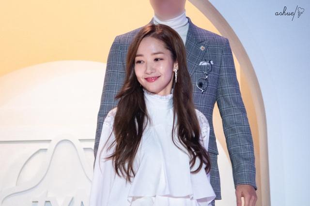 Thư ký Kim Park Min Young xinh đẹp và ngọt ngào - 10