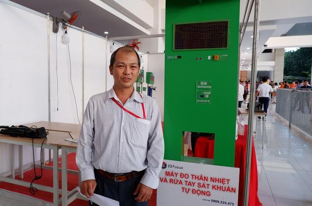Máy đo thân nhiệt trong 1 giây của SV trường nghề được xuất khẩu sang Mỹ - 3