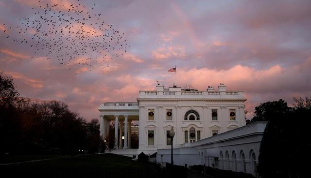 Làn sóng nhân viên rời Nhà Trắng trước khi ông Trump mãn nhiệm - 1