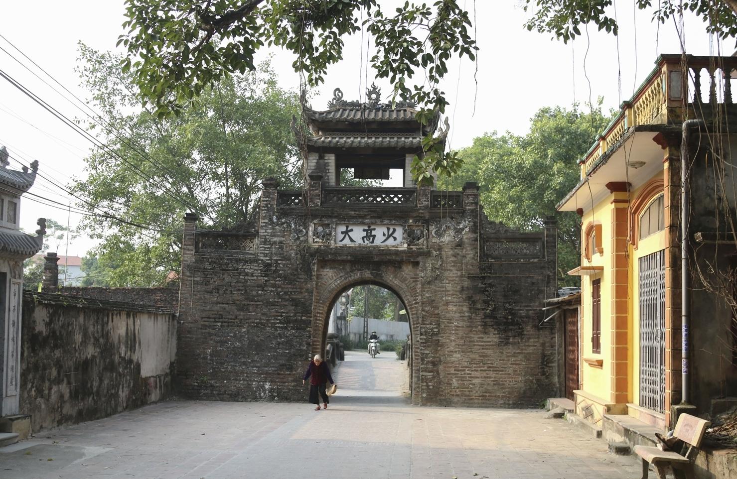 Khám phá vẻ đẹp cổng làng qua 5 thế kỷ