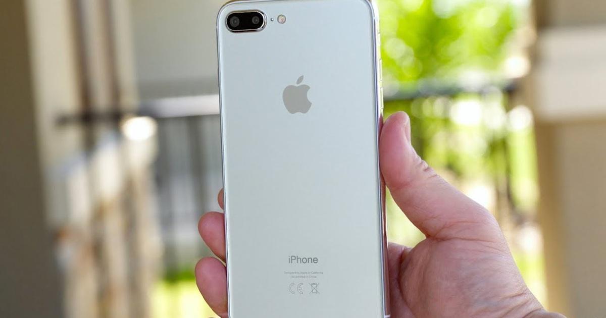 """Sau 3 năm, iPhone 8 Plus sắp bị """"khai tử"""" tại Việt Nam"""