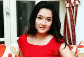 Vân Dung: Từ Top 15 Hoa hậu VN đến bán vé giá 1000 đồng