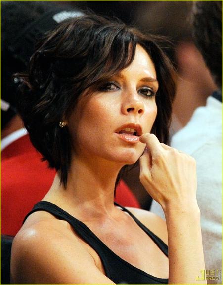 """Victoria Beckham """"hâm mộ"""" cầu thang nhà Coco Chanel"""