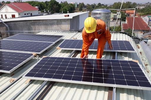 Khách hàng có thể mua điện trực tiếp thông qua các nhà cung cấp điện gió, điện mặt trời