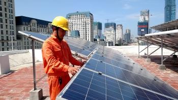 EVN: Ưu tiên huy động 32 tỉ kWh điện mặt trời trong năm 2021