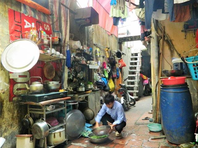 """Người dân phố cổ Hà Nội: Vẫn ngóng chờ một cuộc sống """"tử tế"""""""