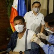 """Tổng thống Philippines: """"Tiêm vắc xin hoặc… vào tù"""""""