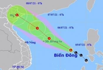 Hà Nội mưa lớn, áp thấp nhiệt đới hình thành trên Biển Đông